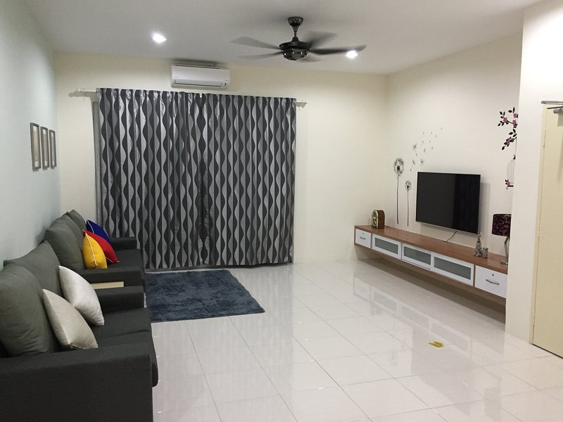 Kt Cozy Lodge (Home Stay) ~ Fresh Air, holiday rental in Kuala Terengganu