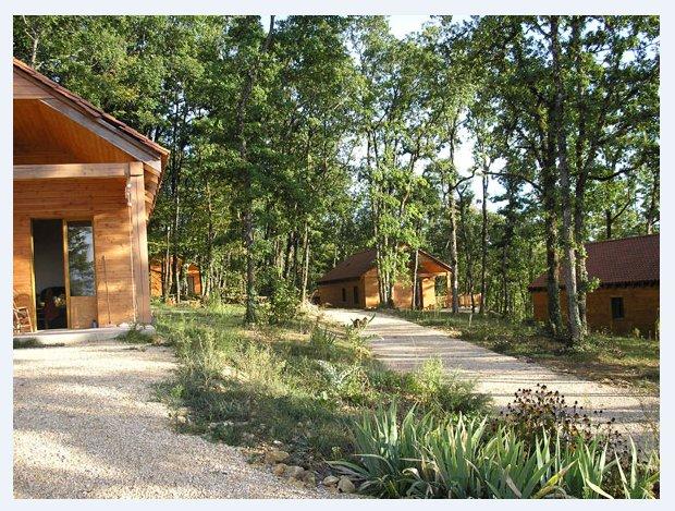 Village Enchanteur Gîtes spacieux, vacation rental in Aubas