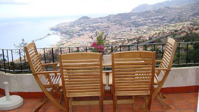 Apartment, Splendid View of sea and mountains, alquiler de vacaciones en Sao Goncalo