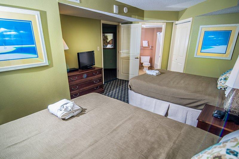 2nd Bedroom w/Queen Beds