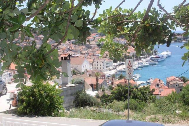 Precioso apartamento con vistas a la ciudad de Hvar y el puerto