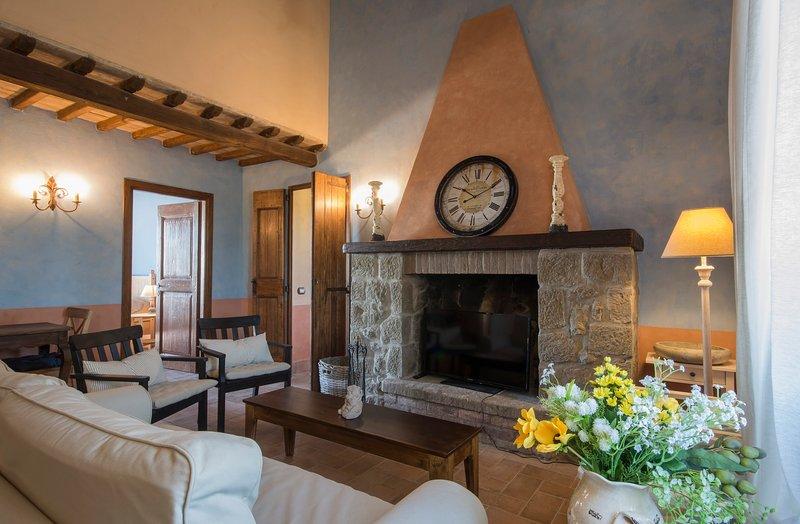 CASA CRISTOFORO: CHARMING COUNTRY HOUSE, vacation rental in Montefiascone