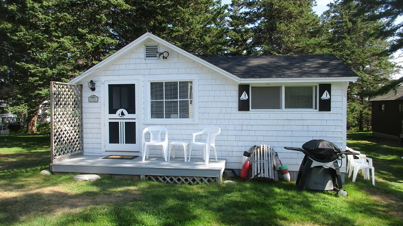 little cottage at sunset cottages has waterfront and parking rh tripadvisor com
