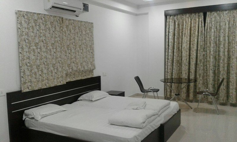 Luxury A/C Rooms Accommodation., holiday rental in Hyderabad