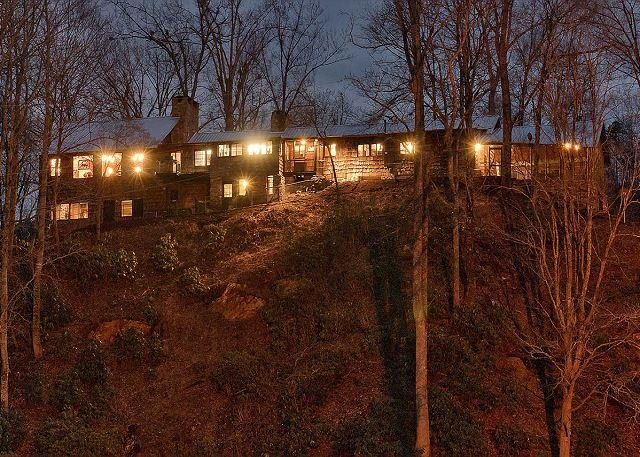 Ronda Knob Lodge at Noche