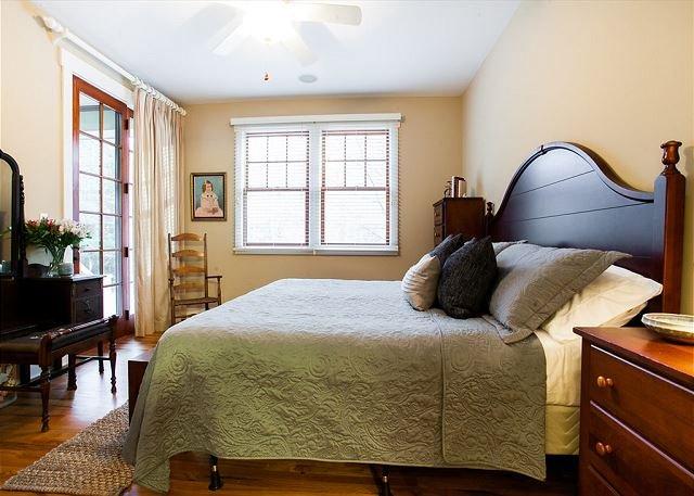 Dormitorio con la reina