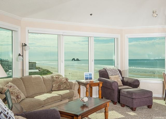 Oceanfront gem with room for up to 4 guests in Rockaway Beach for family fun!, vacation rental in Rockaway Beach