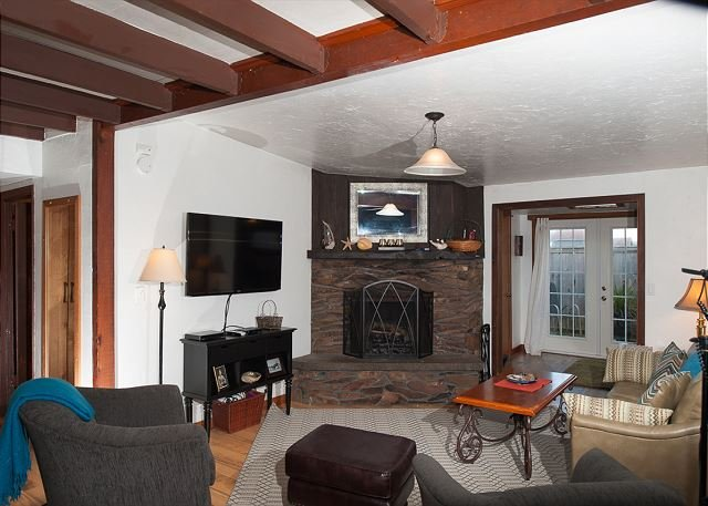 Charming cottage in Newport's Nye Beach area perfect for your next getaway!, Ferienwohnung in Newport