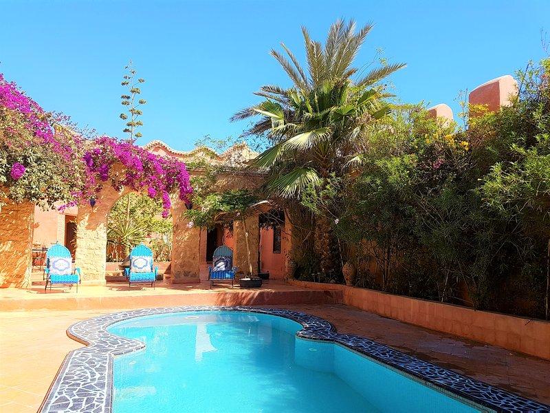 Big villa with swimming-pool & Wifi, vacation rental in Ait Iaaza