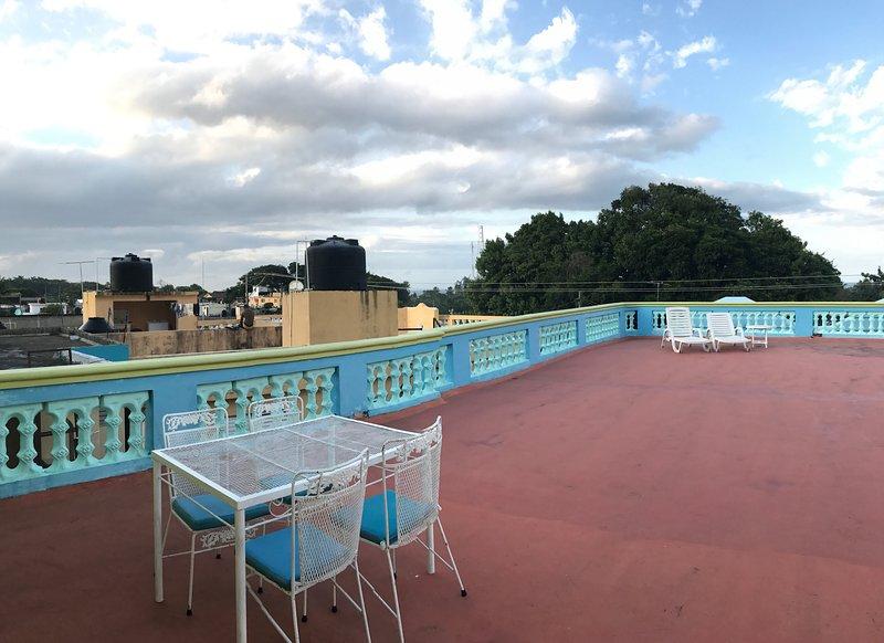 terraza superior con vista al mar