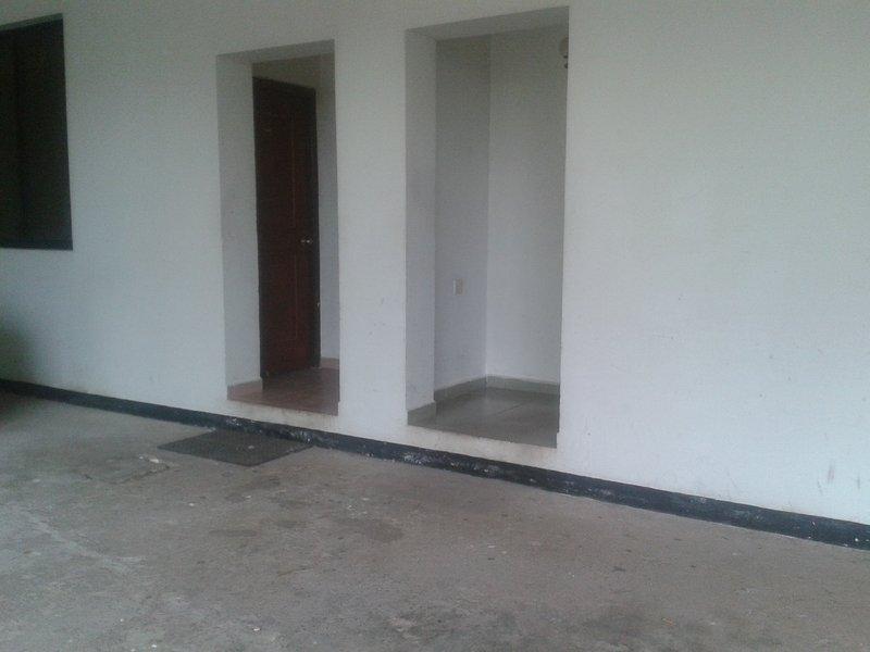 apartments for rent and tour guide all around sri lanka., vacation rental in Kiribathgoda