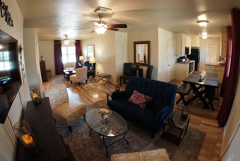 Full-Time, Fully Furnished Rental Property, 3 Miles to 610, 6 Miles to NRG, alquiler vacacional en Fresno