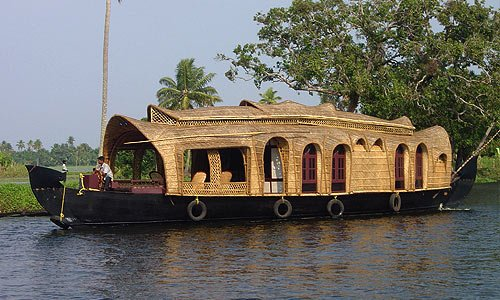 RT Kerala Houseboats, holiday rental in Alappuzha
