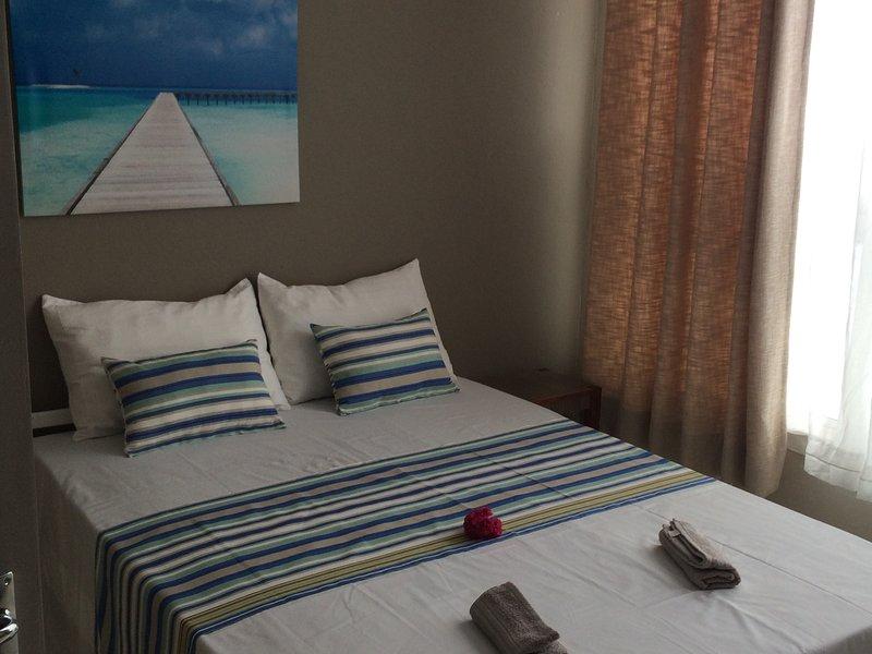 Seaview Holiday Apartments - Three-Bedroom Apartment, location de vacances à Grand Baie