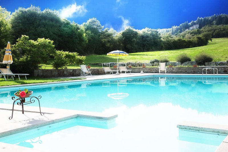 Amazing apt with shared pool & Wifi, casa vacanza a Caprese Michelangelo