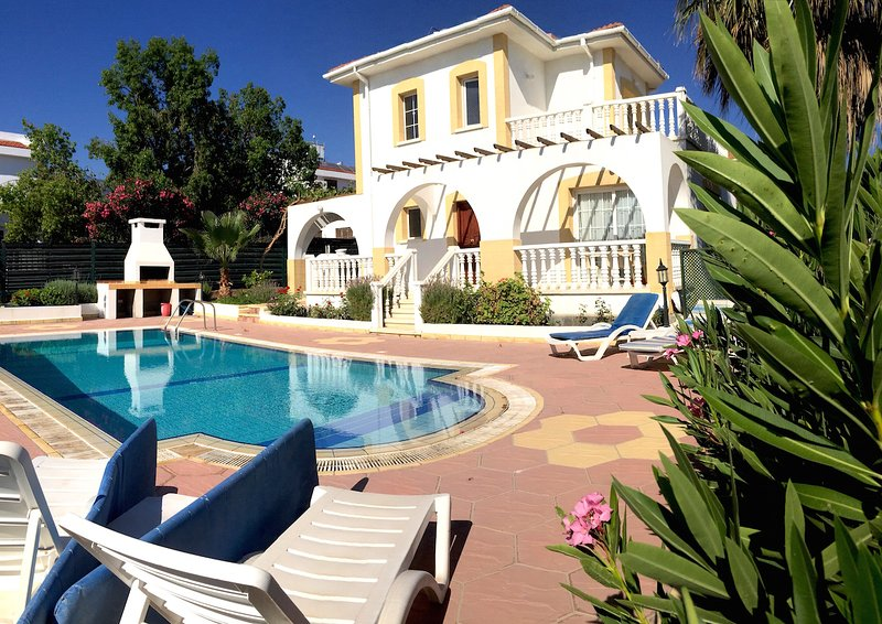 Villa Orange - 3 Bedroom 2 Bathroom with a Pool -Cyprus, holiday rental in Kayalar