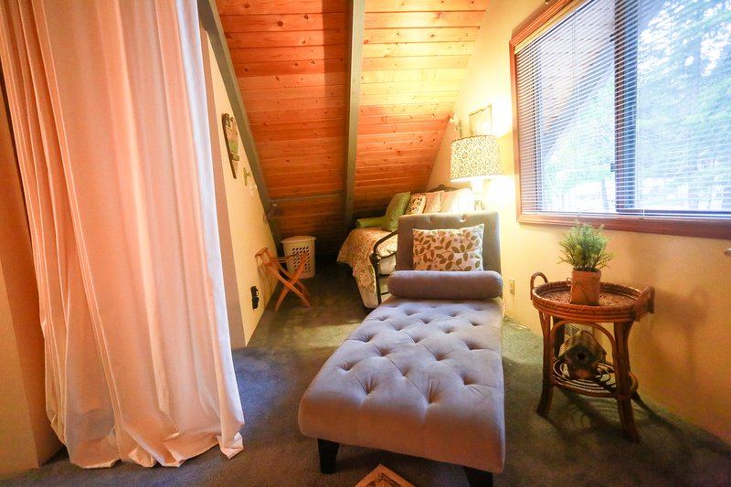 Spectacular River View Cabin Great For Family Retreats