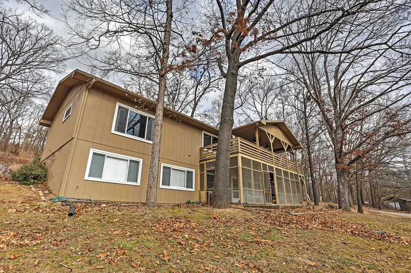 Escape to 'Kings Landing,' a beautiful lakefront vacation rental home on Table Rock Lake!