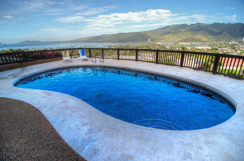 Hale Ohana, Pool, Ocean View Home/Hawaii Kai, Oahu  3+BD/3Bath, location de vacances à Hawaii Kai