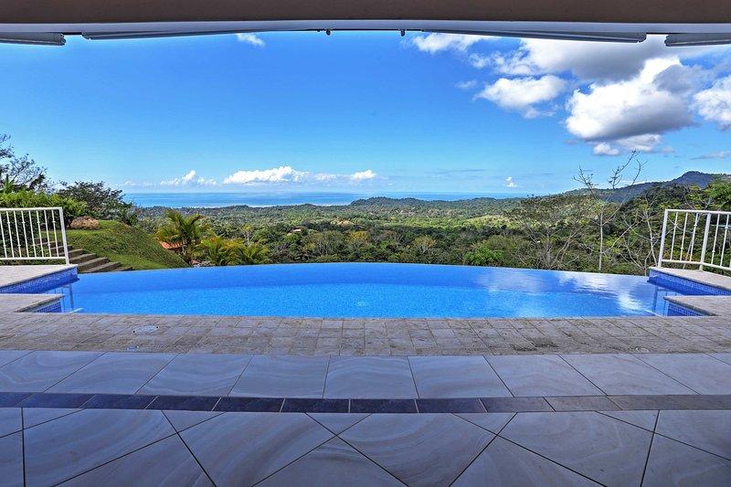 Stunning 'Casa de la Roca' House w/ Infinity Pool!, location de vacances à Coronado