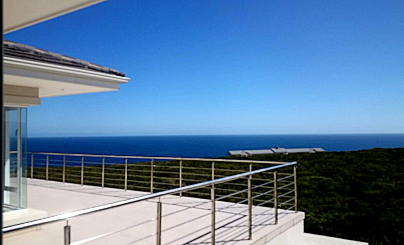 Serenity Villa - stunning ocean and fynbos views!