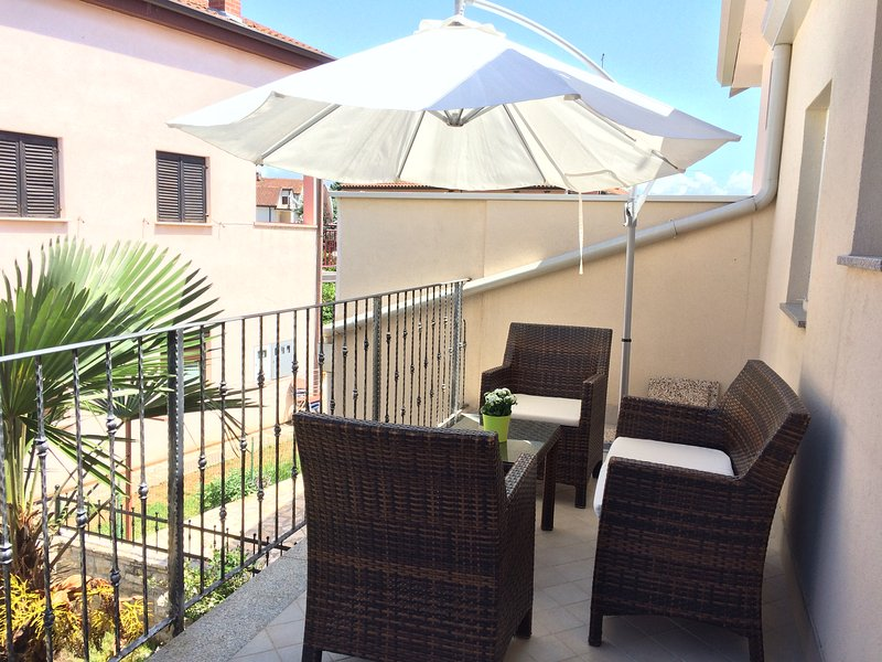 Iris roza Umag new, comfortable apartment fully equipped for a relaxing holiday, alquiler vacacional en Umag