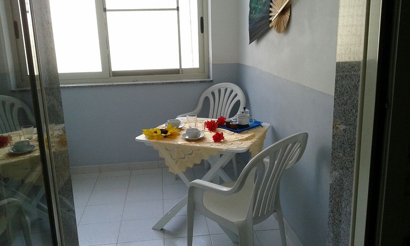 Appartamento a 2 passi dal mare con servizio navetta per e dall'aeroporto Birgi, alquiler de vacaciones en Mazara del Vallo