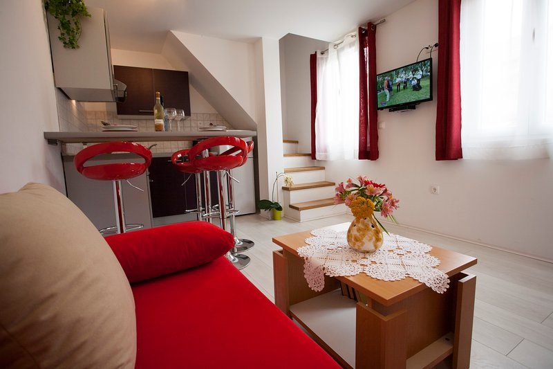 Lovely Apartment with Terrace, vacation rental in Stari Grad
