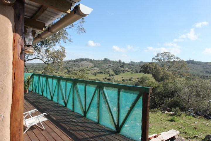 Hermosa, comoda y privada casa de adobe en las sierras de villa serrana, holiday rental in Villa Serrana
