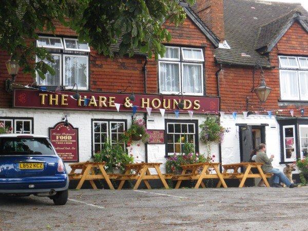 El Hare & Hounds. Todos los bares a poca distancia de la casa