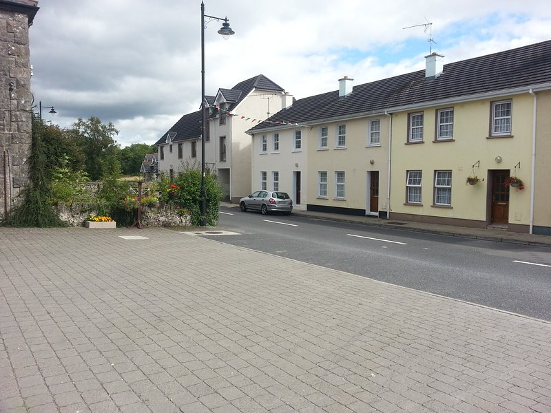 'Sionna' Keshcarrigan Village  Nr.Carrick-on-Shannon  Co.Leitrim, vacation rental in Dromod