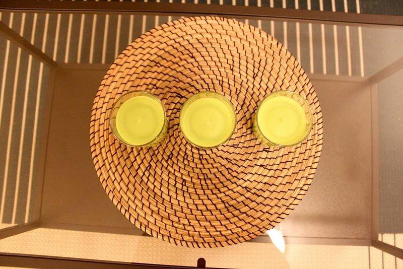 Apple doftljus för söt doft på glas bord
