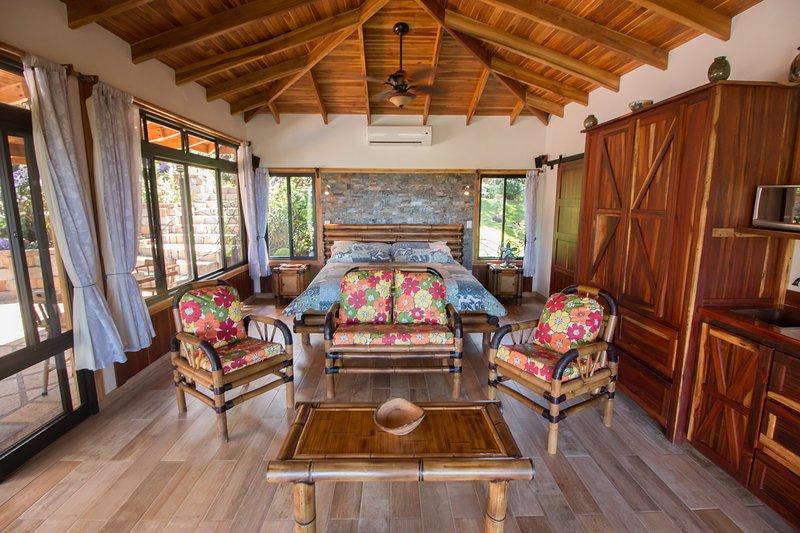 bambú hechos a mano y muebles de madera dura