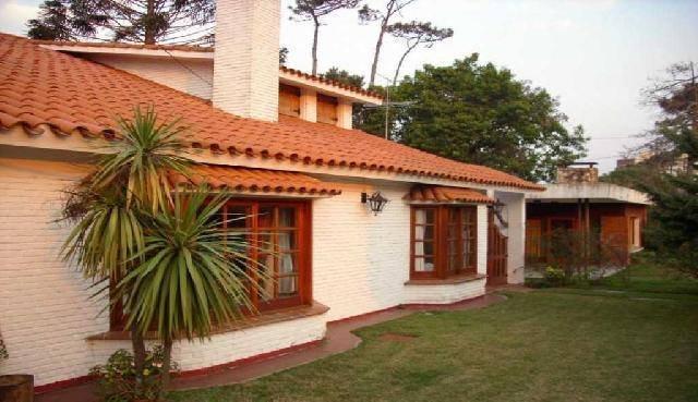 Alquilo Casa Punta del Este 8 Dormitorios 7 Baños 5 en Suite a una de la Playa., holiday rental in Punta del Este