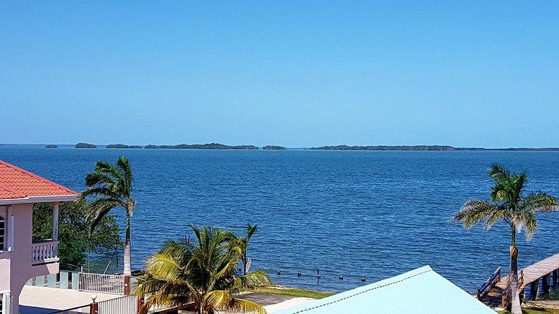Profitez d'une vue sur la mer des Caraïbes et à couper le souffle frais de votre chambre de détente 1