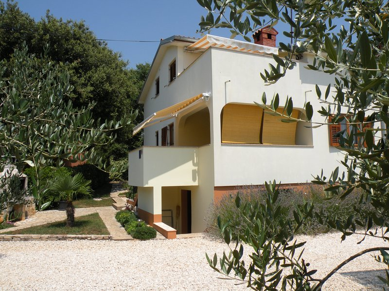 Holiday Home Mira - Betiga, holiday rental in Barbariga