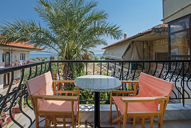 THANOS HOTEL APARTMENTS, holiday rental in Ouranoupoli