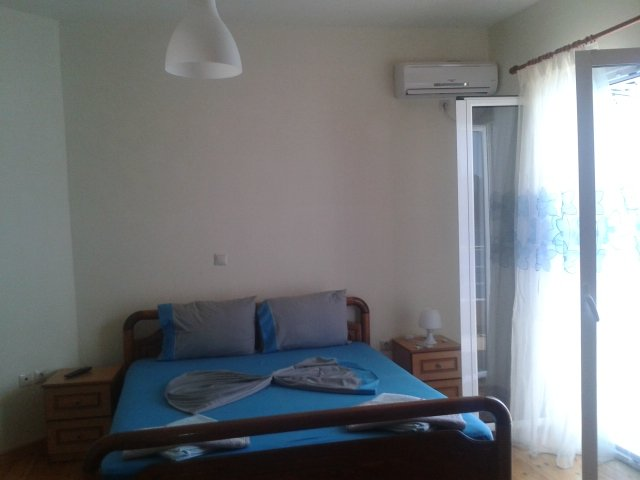 Magic Ionian Apartments & Rooms (Double Room with Balcony and Sea View), vacation rental in Himare