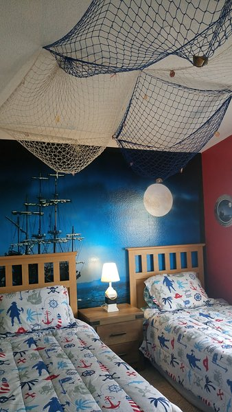 A Moonlit Pirate's Ship To Light Up Your Bedroom!