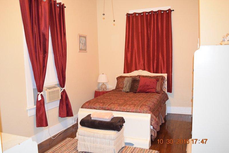 3rd bedroom upstairs - full