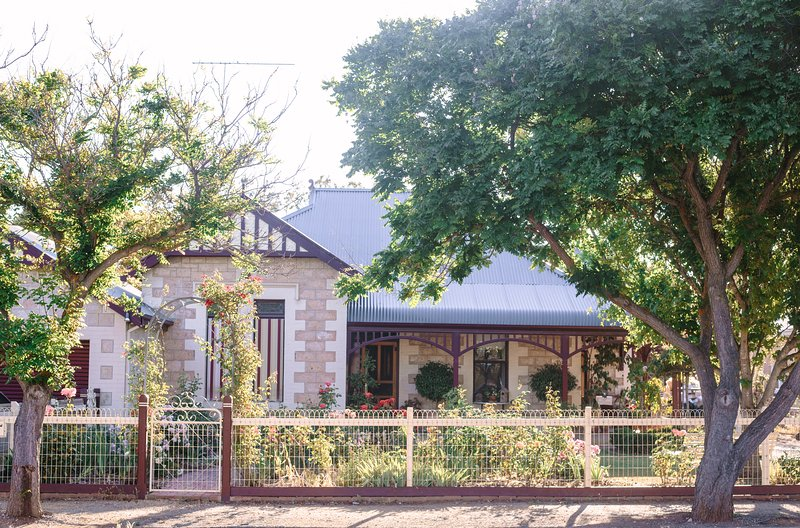Hamilton House B&B - Lady Jane Room, holiday rental in Strathalbyn