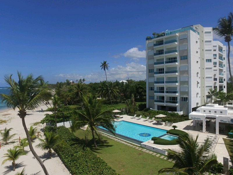 Beach front private Condominium
