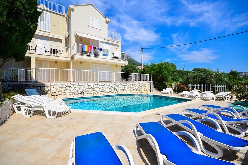 Romantic Family Pool Apartment in Cavtat, holiday rental in Cavtat