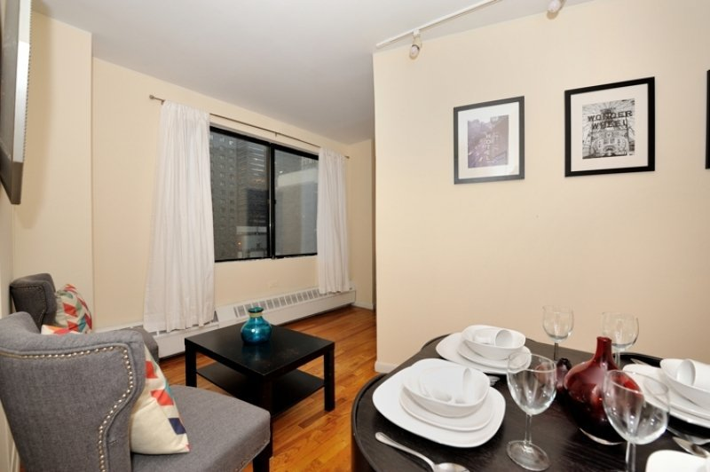 A 3 Bed 1 Bath For 6 People In Fidi Near Wall Street World Trade Centre More