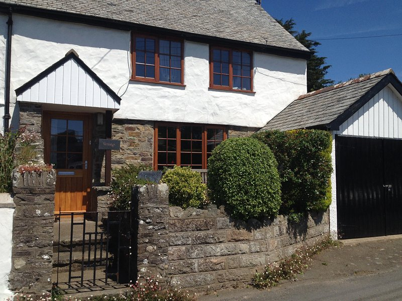 Charming Cottage in Georgeham - The Donkey Shed, holiday rental in Braunton