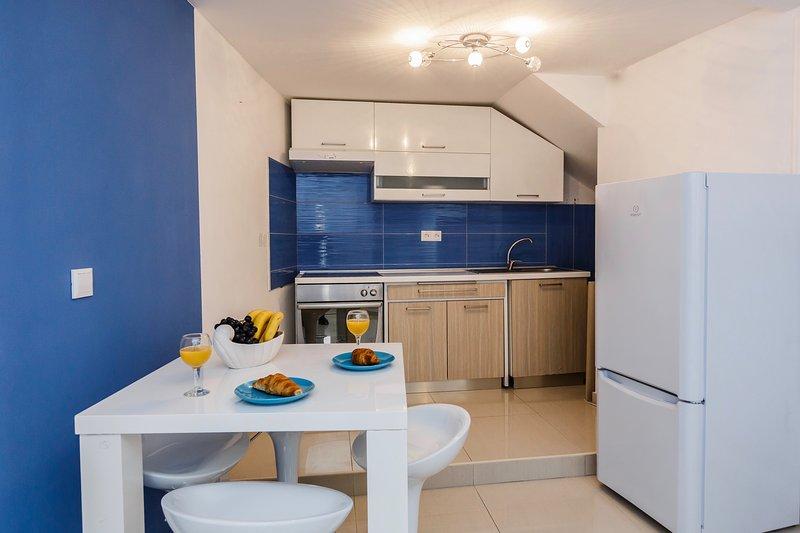 Villa De Blue 2 - Modern apartment, vacation rental in Bol