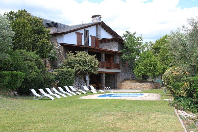 Les Franqueses Del Valles: Villa en zona privilegiada Barcelona - Costa Brava, casa vacanza a Caldes de Montbui