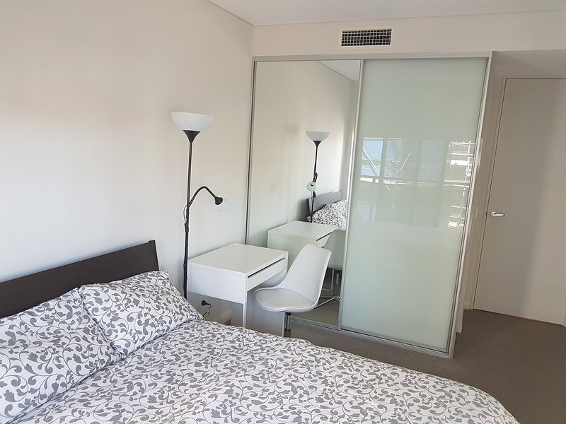 Bright Sunny space in Barton, holiday rental in Australian Capital Territory