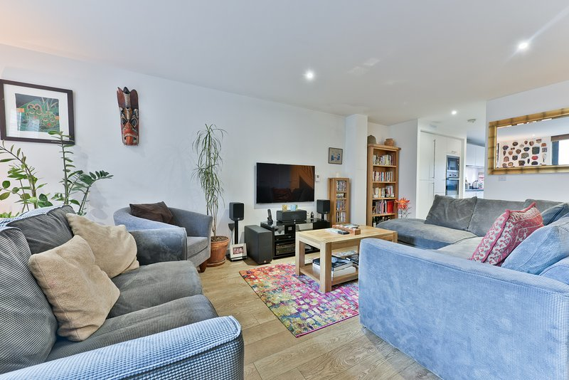 Cosy living room seats 8 people