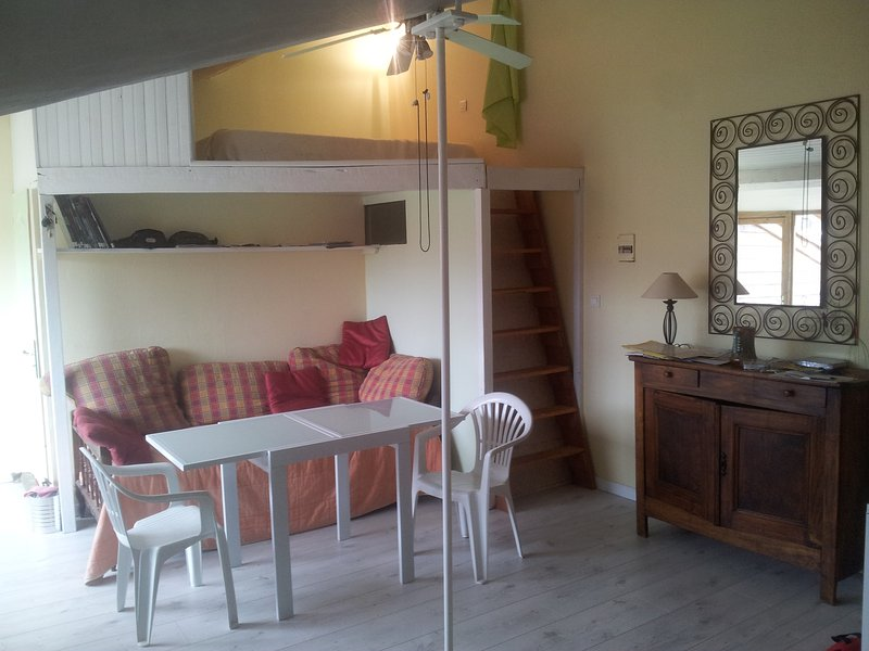 L'Ananda Studio, holiday rental in Moulis
